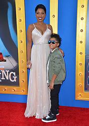 Jennifer Hudson & David Daniel Otunga Jr. bei der Premiere von Sing in Los Angeles / 031216