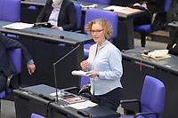 DEU, Deutschland, Germany, Berlin, 05.05.2021: Dr. Julia Verlinden, Sprecherin für Energiepolitik Bündnis 90/Die Grünen, während der Fragestunde in der Plenarsitzung im Deutschen Bundestag.