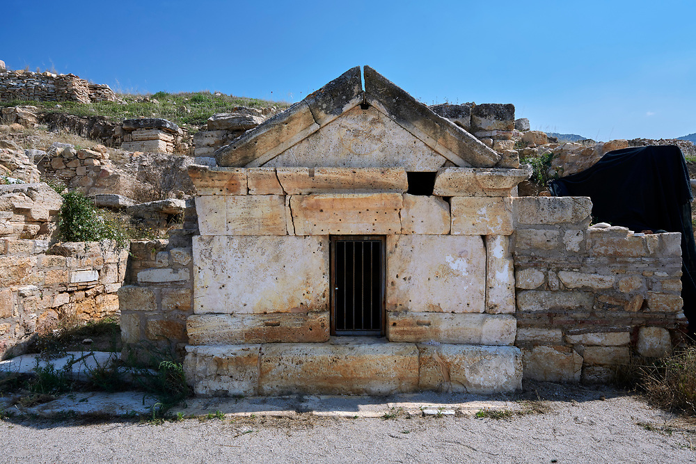 Picture of the ruins of the tomb of St Philip, Roman 1st century AD. Hierapolis archaeological site near Pamukkale in Turkey. .<br /> <br /> If you prefer to buy from our ALAMY PHOTO LIBRARY  Collection visit : https://www.alamy.com/portfolio/paul-williams-funkystock/pamukkale-hierapolis-turkey.html<br /> <br /> Visit our TURKEY PHOTO COLLECTIONS for more photos to download or buy as wall art prints https://funkystock.photoshelter.com/gallery-collection/3f-Pictures-of-Turkey-Turkey-Photos-Images-Fotos/C0000U.hJWkZxAbg