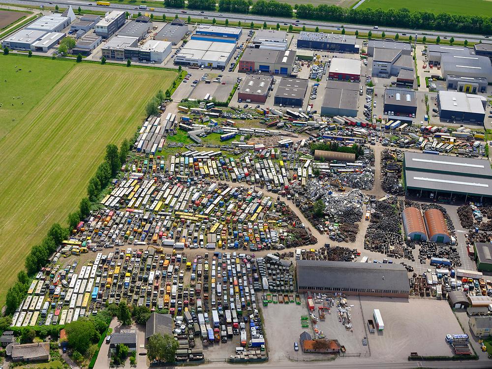 Nederland, Brabant,gemeente Drimmelen, 14-05-2020; Made, industriegebied Brieltjenspolder met het terrein van Leeman, autosloperij en handel in gebruikte onderdelen (voor trucks).<br /> Made, industrial area Brieltjenspolder with the Leeman site, junkyard and trade in used parts (for trucks).<br /> luchtfoto (toeslag op standard tarieven);<br /> aerial photo (additional fee required);<br /> copyright foto/photo Siebe Swart