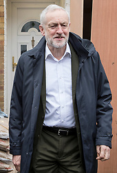 © Licensed to London News Pictures. 03/04/2018. London, UK. Labour Party leader, Jeremy Corbyn, leaves home. Mr Corbyn is under increasing pressure over alleged anti-Semitism in the Labour Party. Photo credit: Peter Macdiarmid/LNP
