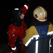 Eindejaarsoefening brandweer Huizen.duikers, duikers, vermoeid, slachtoffer, avond, nacht
