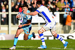 Henry Slade of Exeter Chiefs is marked by Thibault Lassalle of Castres Olympique - Mandatory by-line: Ryan Hiscott/JMP - 13/01/2019 - RUGBY - Sandy Park Stadium - Exeter, England - Exeter Chiefs v Castres - Heineken Champions Cup