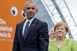 May 25, 2017 - Berlin, Berlin, Deutschland - Barack Obama und Angela Merkel bei einem Podiumsgespräch zum Thema 'Engagiert Demokratie gestalten' auf dem 36. Deutschen Evangelischen Kirchentag vor dem Brandenburger Tor. Berlin, 25.05.2017 (Credit Image: © Future-Image via ZUMA Press)