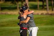 01-09-2016 Golffoto's van het Nationaal Open op de Hilversumsche Golf Club in Hilversum. Finale.  Anne van Dam feliciteert Roos Haarman