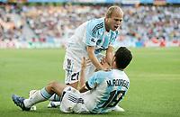 Fotball<br /> Confederations Cup 2005<br /> Semifinale<br /> Argentina v Mexico 7-6 etter straffekonkurranse<br /> 26.06.2005<br /> Foto: imago/Digitalsport<br /> NORWAY ONLY<br /> <br /> Luciano Figueroa (oben) und Rodriguez (beide Argentinien)