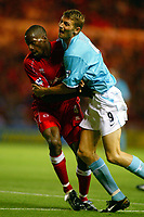 Fotball, 9. september 2002.  FA Barclaycard Premiership - Middlesbrough v Sunderland <br />Tore Andre Flo, Sunderland og Ugo Ehiogu, Middlesbrough.<br />Foto: Alex Morton, Digitalsport