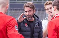 AMSTELVEEN - Coach Alexander Cox (Amsterdam)  tijdens de competitie hoofdklasse hockeywedstrijd heren, Amsterdam -Rotterdam (2-0) .  COPYRIGHT KOEN SUYK