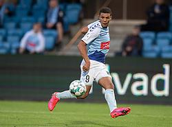 Alexander Bah (SønderjyskE) står for oplægget til scoringen til 0-1 under finalen i Sydbank Pokalen mellem AaB og SønderjyskE den 1. juli 2020 i Blue Water Arena, Esbjerg (Foto Claus Birch).