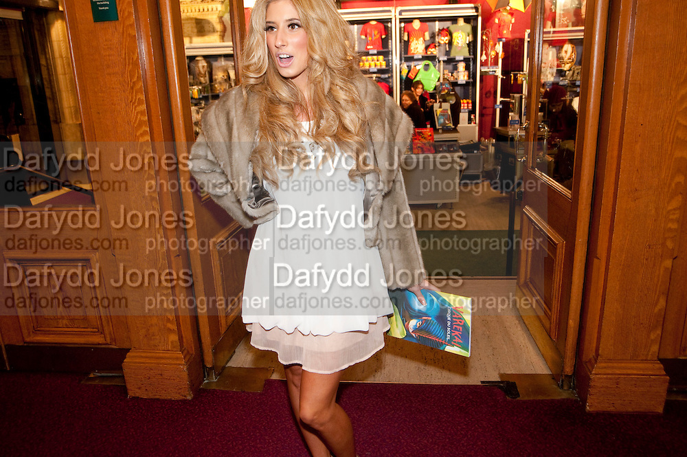STACEY SOLOMON, CIRQUE DU SOLEIL LONDON PREMIERE OF VAREKAI. Royal albert Hall. 5 January 2010