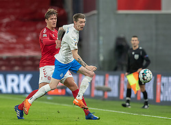 Jannik Vestergaard (Danmark) og Birkir Sævarsson (Island) under kampen i Nations League mellem Danmark og Island den 15. november 2020 i Parken, København (Foto: Claus Birch).