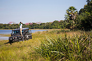 Aquidauana_MS, Brasil...Homem observando a Fazenda Rio Negro no Pantanal...A man looking for Rio Negro farm in Pantanal...Foto: JOAO MARCOS ROSA / NITRO