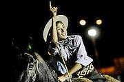 Javier Calvelo/ URUGUAY/ MONTEVIDEO/ Rural del Prado/ Semana Criolla - edición 91 de la Semana Criolla, que cada año convoca unas 200 mil personas. Hay espectáculos teatrales, ferias artesanales y una amplia variedad de gastronomía criolla, el principal atractivo de esta semana es el de las jineteadas y pruebas con caballos. <br /> La Criolla del Prado cuenta con dos escenarios donde se presentarán una gran variedad de espectáculos.<br /> En la foto:  Participantes de la prueba de rienda en la Rural del Prado durante la Semana Criolla. Foto: Javier Calvelo/ adhocFotos<br /> 20160322 dia martes<br /> adhocFotos