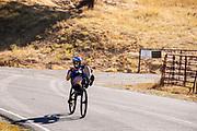 Het team traint in Greenville, Californi?, als voorbereiding op de wedstrijden. Het Human Power Team Delft en Amsterdam, dat bestaat uit studenten van de TU Delft en de VU Amsterdam, is in Amerika om tijdens de World Human Powered Speed Challenge in Nevada een poging te doen het wereldrecord snelfietsen voor vrouwen te verbreken met de VeloX 9, een gestroomlijnde ligfiets. Het record is met 121,81 km/h sinds 2010 in handen van de Francaise Barbara Buatois. De Canadees Todd Reichert is de snelste man met 144,17 km/h sinds 2016.<br /> <br /> With the VeloX 9, a special recumbent bike, the Human Power Team Delft and Amsterdam, consisting of students of the TU Delft and the VU Amsterdam, wants to set a new woman's world record cycling in September at the World Human Powered Speed Challenge in Nevada. The current speed record is 121,81 km/h, set in 2010 by Barbara Buatois. The fastest man is Todd Reichert with 144,17 km/h.