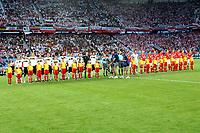 GEPA-080608672 - KLAGENFURT,AUSTRIA,08.JUN.08 - FUSSBALL - UEFA Europameisterschaft, EURO 2008, Deutschland vs Polen, GER vs POL. Bild zeigt die beiden Mannschaften, die Schiedsrichter, Kinder und Fans.<br />GEPA pictures/ Hans Simonlehner