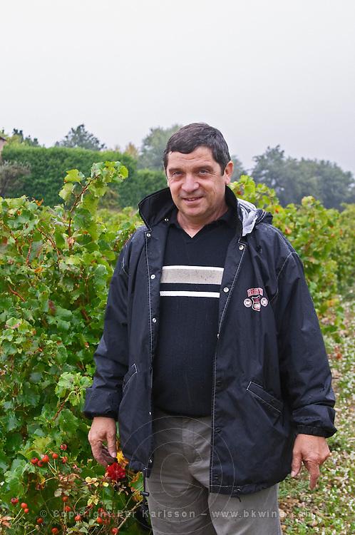 Andre Richard, owner and wine maker.  Domaine la Tourade, André Andre Richard, Gigondas, Vacqueyras, Vaucluse, Provence, France, Europe