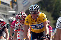 Sykkel, 13. juli 2005, Lance Armstrong (USA / Discovery Channel) vor Mickael Rasmussen (Dänemark / Rabobank) <br /> <br /> Norway only