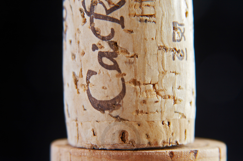 technical cork with disks at the end and glued parts in the middle