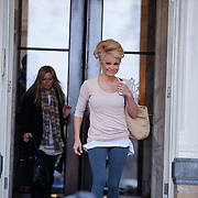 NLD/Amsterdam/20130118 - Pamela Anderson verlaat haar hotel voor training bij Sterren Dansen op het IJs 2013,