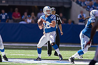 September 28, 2014: Indianapolis Colts quarterback Andrew Luck (12) drops back during a football game between the Indianapolis Colts and Tennessee Titans at Lucas Oil Stadium in Indianapolis, IN. NFL American Football Herren USA SEP 28 Titans at Colts PUBLICATIONxINxGERxSUIxAUTxHUNxRUSxSWExNORxONLY Icon1409280644<br />