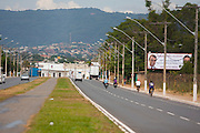 Montes Claros_MG, Brasil...Avenida Magalhaes Pinto que foi duplicada em Montes Claros, Minas Gerais...The Magalhaes Pinto avenue turned a dual-carriage-way in Montes Claros, Minas Gerais...Foto: NIDIN SANCHES / NITRO