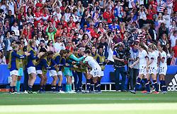 June 16, 2019 - Paris, France - Joie des joueurs de l equipe Etats Unis - But de Carli LLOYD  (Credit Image: © Panoramic via ZUMA Press)