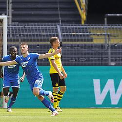 Jubel KRAMARIC, Hoffenheim zum 0:1 gegen BÜRKI<br /> <br /> firo, Sport: Fussball: 1. Bundesliga: Saison 2019/2020, 27.06.2020,34. Spieltag,<br /> BVB, Borussia Dortmund - TSG Hoffenheim<br /> <br /> Foto: Ralf Ibing / firosportphoto / POOL/PIX-Sportfotos<br /> <br /> Nur für journalistische Zwecke! Only for editorial use! <br /> <br /> <br /> Foto © PIX-Sportfotos *** Foto ist honorarpflichtig! *** Auf Anfrage in hoeherer Qualitaet/Aufloesung. Belegexemplar erbeten. Veroeffentlichung ausschliesslich fuer journalistisch-publizistische Zwecke. For editorial use only. DFL regulations prohibit any use of photographs as image sequences and/or quasi-video.