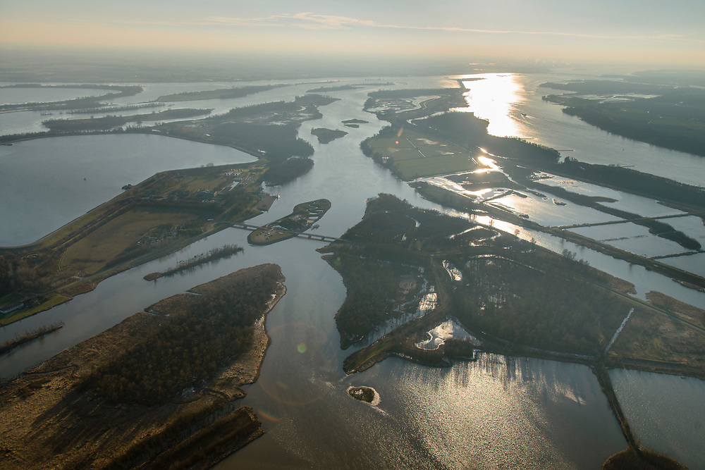 Nederland, Noord-Brabant, Werkendam, 07-02-2018; de Brabantse Biesbosch, onderdeel van Nationale Park De Biesbosch. Petrusplaat, voormalige polder, nu spaarbekken voor de productie van drinkwater. <br /> National Park De Biesbos with reservoir for the production of drinking water.<br /> luchtfoto (toeslag op standard tarieven);<br /> aerial photo (additional fee required);<br /> copyright foto/photo Siebe Swart