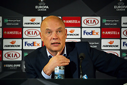 November 8, 2018 - MalmÅ, Sverige - 181108 Head coach Uwe RÅ¡sler of MalmÅ¡ FF during the press conference after the Europa League group stage match between MalmÅ¡ FF and Sarpsborg 08 on November 8, 2018 in MalmÅ (Credit Image: © Ludvig Thunman/Bildbyran via ZUMA Press)