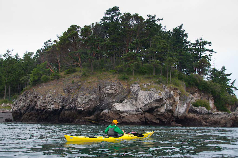Guide Katy Kayaking in the San Juan Islands, Washington, US
