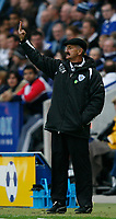 Photo: Steve Bond.<br />Leicester City v Barnsley. Coca Cola Championship. 27/10/2007. Frank Burrows gives a signal