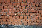 Diamantina_MG, Brasil..Muro feito de Tijolos coloniais em Diamantina, Minas Gerais...Colonial wall made of bricks in Diamantina, Minas Gerais...Foto: JOAO MARCOS ROSA / NITRO