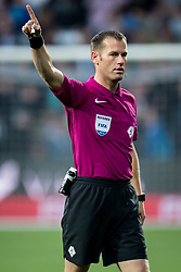 referee Danny Makkelie during the Dutch Eredivisie match between Heracles Almelo and Feyenoord Rotterdam at Polman stadium on September 09, 2017 in Almelo, The Netherlands