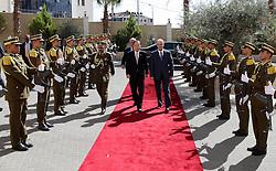 21.10.2015, Ramallah, PSE, Nahostkonflikt zwischen Israel und Palästina, UN Generalsekretär Ban Ki Moon, im Bild UN Generalsekretär Ban Ki Moon besucht Palästinensischen Autonomiegebiete // Palestinian Prime Minister and the United Nations Secretary-General Ban Ki-moon, inspect a guard of honour upon Ki-moon's arrival to the West Bank city of Ramallah, October 21, 2015, Palestine on 2015/10/21. EXPA Pictures © 2015, PhotoCredit: EXPA/ APAimages/ Prime Minister Office<br /> <br /> *****ATTENTION - for AUT, GER, SUI, ITA, POL, CRO, SRB only*****