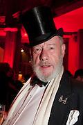 MARTIN ELLIS JONES, IMG HERALD TRIBUNE HERITAGE LUXURY PARTY.- Celebration of Heritage Luxury and 10 years of the International Herald Tribune Luxury Conferences. North Audley St. London. 9 November 2010. -DO NOT ARCHIVE-© Copyright Photograph by Dafydd Jones. 248 Clapham Rd. London SW9 0PZ. Tel 0207 820 0771. www.dafjones.com.