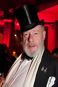 MARTIN ELLIS JONES, IMG HERALD TRIBUNE HERITAGE LUXURY PARTY.- Celebration of Heritage Luxury and 10 years of the International Herald Tribune Luxury Conferences. North Audley St. London. 9 November 2010. -DO NOT ARCHIVE-© Copyright Photograph by Dafydd Jones. 248 Clapham Rd. London SW9 0PZ. Tel 0207 820 0771. www.dafjones.com.