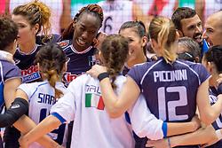 18-05-2016 JAP: OKT Peru - Italie, Tokio<br /> Italië verslaat Peru met 3-0 / Cristina Chirichella #11 of Italie, Miriam Fatime Sylla #16 of Italie, Alessia Gennari #8 of Italie, Paola Ogechi Egonu #18 of Italie