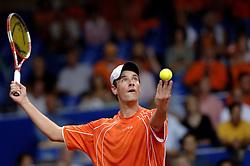 23-09-2006 TENNIS: DAVIS CUP: NEDERLAND - TSJECHIE: LEIDEN <br /> Rogier Wassen<br /> ©2006-WWW.FOTOHOOGENDOORN.NL