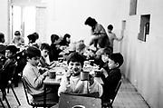 Ionut Iordache à 8 ans en 1994 dans le réfectoire de l'orphelinat de Popricani. Ionut a été abandonné à la naissance.<br /> <br /> Ionut Iordache at 8 in 1994 at Popricani's orphanage. Ionut was abandoned at birth.