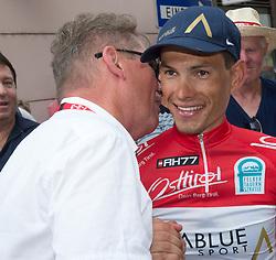 08.07.2017, Wels, AUT, Ö-Tour, Österreich Radrundfahrt 2017, 6. Etappe von St. Johann/Alpendorf nach Wels (203,9 km), im Bild v.l. Franz Steinberger (Tourdirektor), Stefan Denifl (AUT, Team Aqua Blue Sport) // f.l. Franz Steinberger (Tourdirektor) Stefan Denifl of Austria (Aqua Blue Sport) during the 6th stage from St. Johann/Alpendorf to Wels (203,9 km) of 2017 Tour of Austria. Wels, Austria on 2017/07/08. EXPA Pictures © 2017, PhotoCredit: EXPA/ Reinhard Eisenbauer
