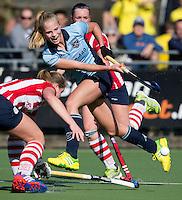 LAREN - Sophie Slinkert van Laren tijdens de hoofdklasse competitiewedstrijd  hockey tussen de vrouwen van Laren en HDM. COPYRIGHT KOEN SUYK