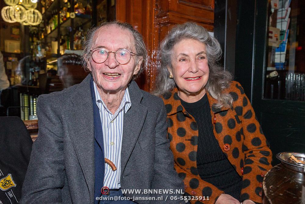 NLD/Amsterdam/20171016 - Sirenen boekpresentatie Jan Cremer, Remco Campert en partner Deborah Wolf