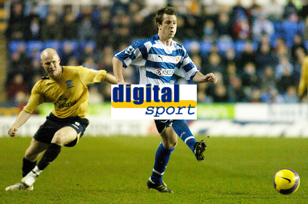 Photo: Gareth Davies.<br /> Reading v Everton. The Barclays Premiership. 23/12/2006.<br /> Reading's Nicky Shorey (R) clears the ball from Everton's Andrew Johnson (L)
