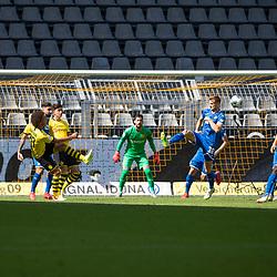 Stefan Posch (TSG 1899 Hoffenheim, #38), links Axel Witsel (Borussia Dortmund, #28); 1. Fussball-Bundesliga; Borussia Dortmund - TSG Hoffenheim am 27.06.2020 im Signal-Iduna-Park in Dormund (Nordrhein-Westfalen). <br /> <br /> FOTO: BEAUTIFUL SPORTS/WUNDERL/POOL/PIX-Sportfotos<br /> <br /> DFL REGULATIONS PROHIBIT ANY USE OF PHOTOGRAPHS AS IMAGE SEQUENCES AND/OR QUASI-VIDEO. <br /> <br /> EDITORIAL USE OLNY.<br /> National and<br /> international NewsAgencies OUT.<br /> <br /> <br /> <br /> Foto © PIX-Sportfotos *** Foto ist honorarpflichtig! *** Auf Anfrage in hoeherer Qualitaet/Aufloesung. Belegexemplar erbeten. Veroeffentlichung ausschliesslich fuer journalistisch-publizistische Zwecke. For editorial use only. DFL regulations prohibit any use of photographs as image sequences and/or quasi-video.