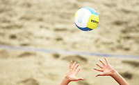 Volleyball Sandvolleyball Beachvolleyball<br />Swatch FIVB World Tour Conoco Phillips Grand Slam<br />Stavanger 260608<br />Foto: Sigbjørn Andreas Hofsmo, Digitalsport<br /><br />Stock sand hender volleyball mikasa fingre finger fingerslag