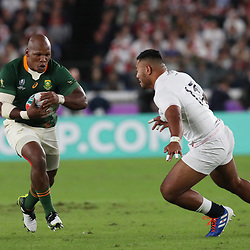Mbongeni Mbonambi of South Africa and Manu Tuilagi of England during the Rugby World Cup Final match between South Africa Springboks and England Rugby World Cup Final at the International Stadium Yokohama  Japan.Saturday 02 November 2019. (Mandatory Byline - Fotosport/David Gibson)