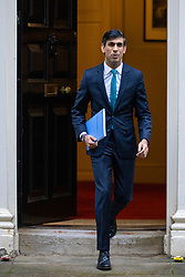 © Licensed to London News Pictures. 25/11/2020. London, UK. Chancellor Rishi Sunak leaves 11 Downing Street to go to Parliament where he will set out the Spending Review, detailing the money government departments will receive for the 2021-22 financial year. Photo credit: Rob Pinney/LNP