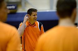 25-04-2013 VOLLEYBAL: TRAINING NEDERLANDS MANNEN VOLLEYBALTEAM: ROTTERDAM<br /> Selectie Oranje mannen seizoen 2013-2014 krijgen uitleg van Coach Edwin Benne <br /> ©2013-FotoHoogendoorn.nl