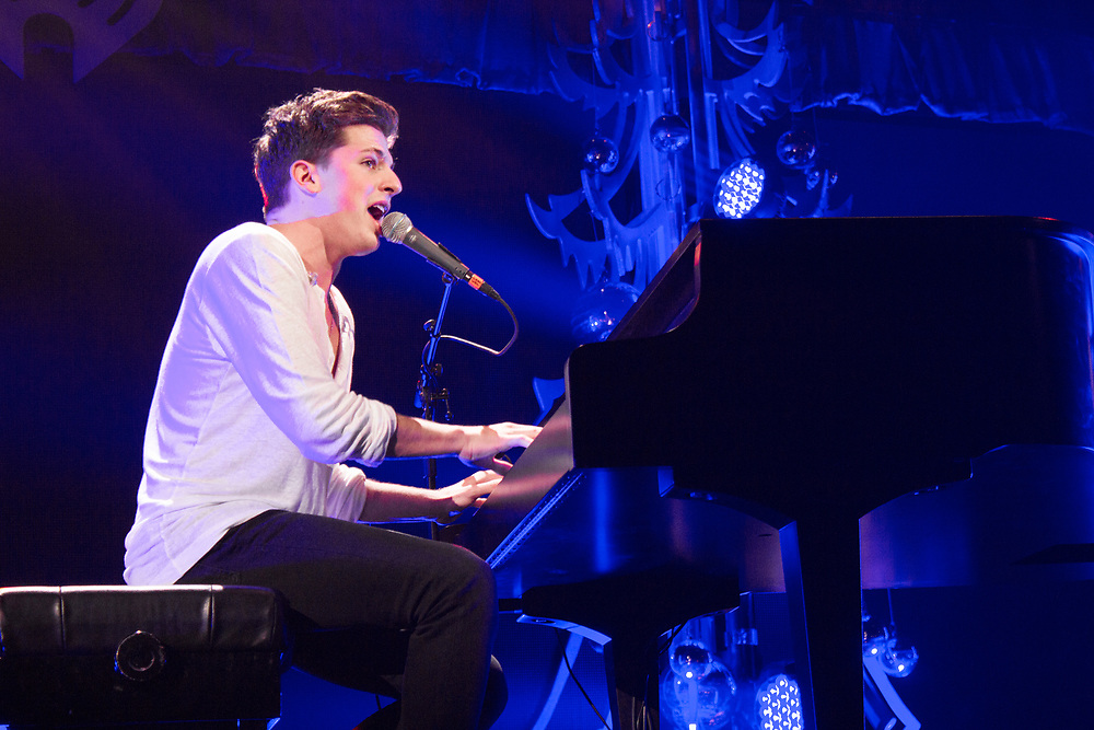 Charlie Puth performs at the Jingle Ball in Chicago on December 16, 2015.