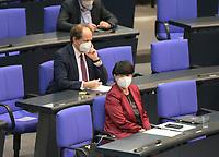 DEU, Deutschland, Germany, Berlin, 25.02.2021: Alexander Graf Lambsdorff (FDP) und Christine Aschenberg-Dugnus (FDP) in der Plenarsitzung im Deutschen Bundestag.